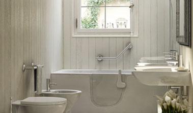 Bathtub with door corner
